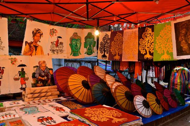 Luxury Trip Asia recommend best souvenirs to buy in Laos