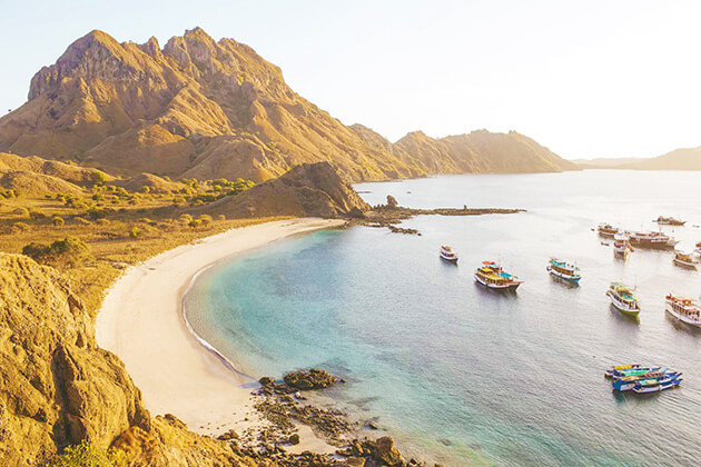Padar island - indonesia luxury tour packages