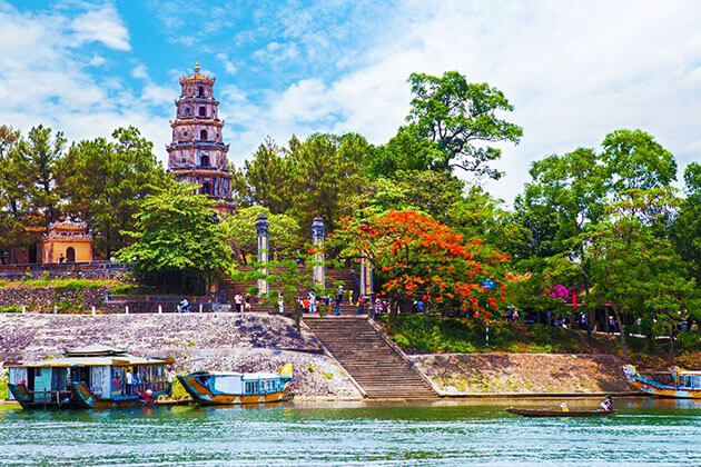 Perfume River cruise - vietnam luxury holiday packages