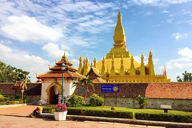 Pha That Luang - laos luxury holiday