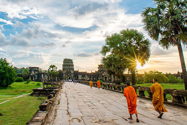 angkor wat - travel guide in Vietnam