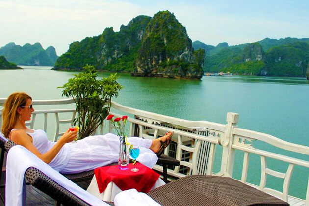 halong bay - vietnam luxury holiday
